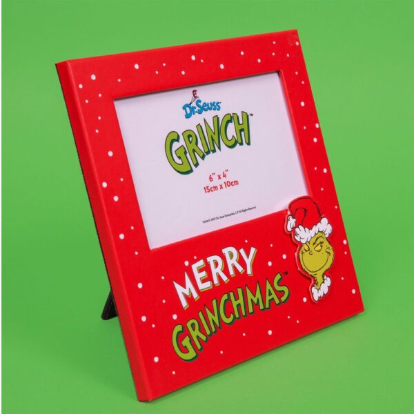 The Grinch - Every Family has one - Fotokader Kerstmis
